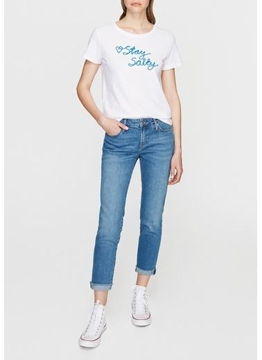 Mavi İşlemeli Tişört Beyaz